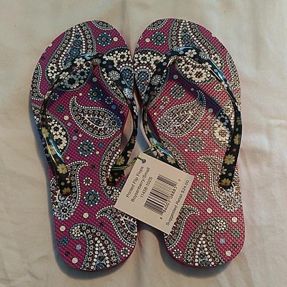 2531a37322ce30 Vera Bradley flip flops size S NWT